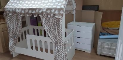 Кровать домик с ящиком НЕО